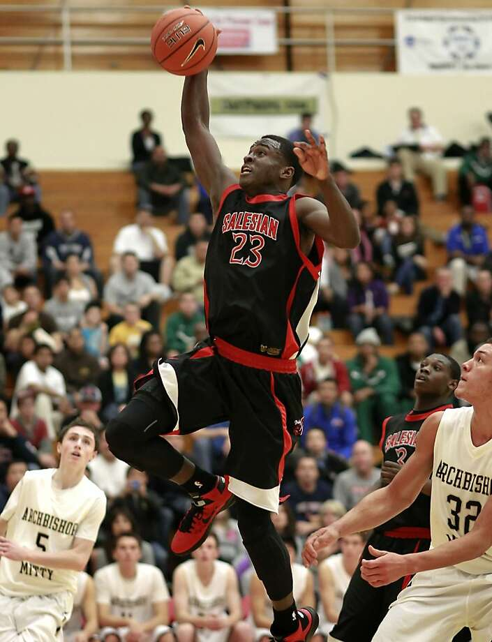 Jabari Bird's dunk helps Salesian take a 31-19 halftime lead over Mitty. The Pride led by 28 early in the second half of the battle between defending state champions in Hayward. Photo: Michael Macor, The Chronicle