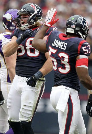 Houston Texans outside linebacker Brooks Reed (58) celebrates after a tackle of Minnesota Vikings quarterback Christian Ponder (7) for a 1-yard gain during the first quarter of a NFL game, Sunday, Dec. 23, 2012, at Reliant Stadium  in Houston. Photo: Nick De La Torre, Houston Chronicle / © 2012  Houston Chronicle