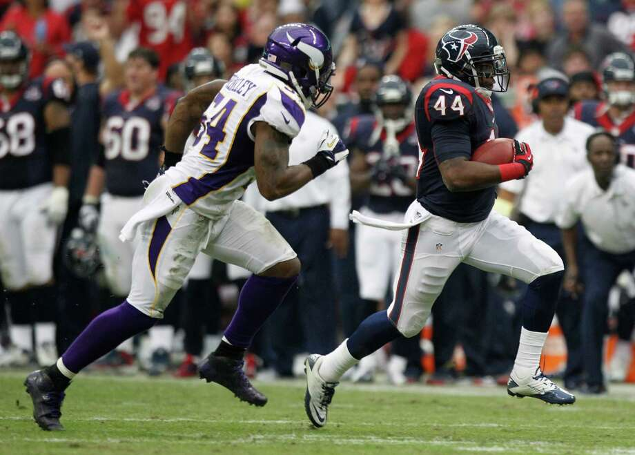 Houston Texans running back Ben Tate (44) is chased down by Minnesota Vikings middle linebacker Jasper Brinkley (54) during the third quarter at Reliant Stadium on Sunday, Dec. 23, 2012, in Houston. Photo: Brett Coomer, Houston Chronicle / © 2012  Houston Chronicle
