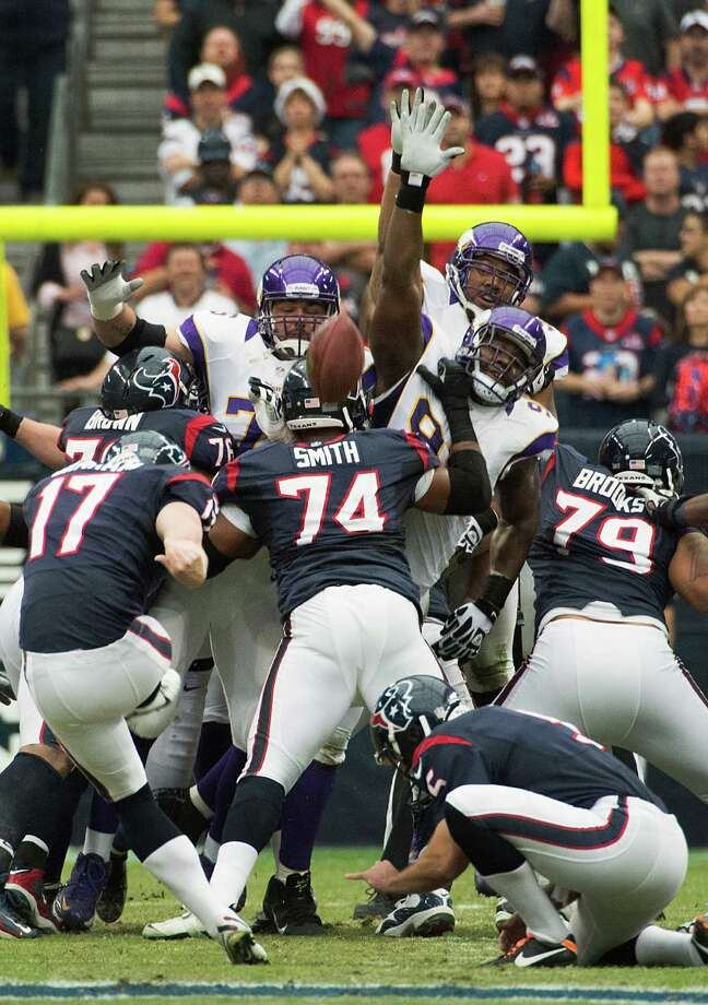 Houston Texans kicker Shayne Graham (17) connects on a 51-yard field goal during the first quarter against the Minnesota Vikings at Reliant Stadium on Sunday, Dec. 23, 2012, in Houston. Photo: Smiley N. Pool, Houston Chronicle / © 2012  Houston Chronicle