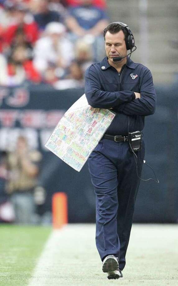 Texans head coach Gary Kubiak paces the sidelines during the second quarter. Photo: Karen Warren, Houston Chronicle / © 2012 Houston Chronicle
