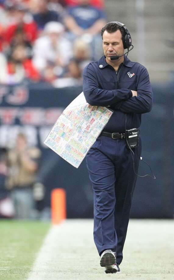 Texans head coach Gary Kubiak paces the sidelines during the second quarter. (Karen Warren / Houston Chronicle)