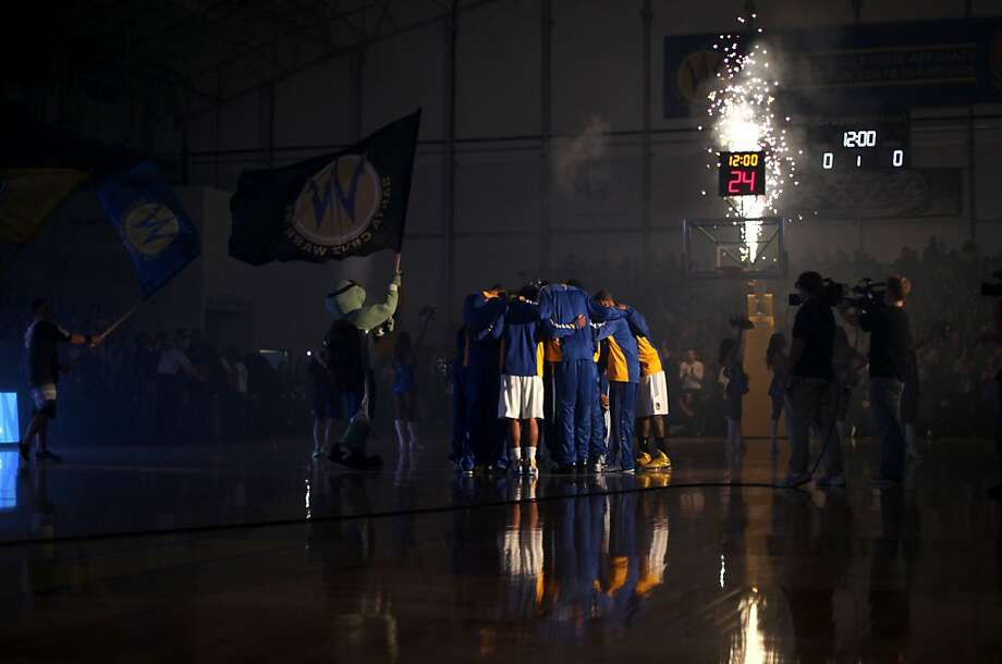 The Santa Cruz Warriors held their first game Sunday, December 23, 2012 against the Bakersfield Jam. The Warriors defeated the Jam 93 to 88. Photo: Sean Culligan, Special To The Chronicle