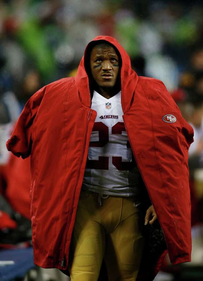 San Francisco 49ers running back LaMichael James stands on the sideline in the first half of an NFL football game against the Seattle Seahawks, Sunday, Dec. 23, 2012, in Seattle. Photo: AP