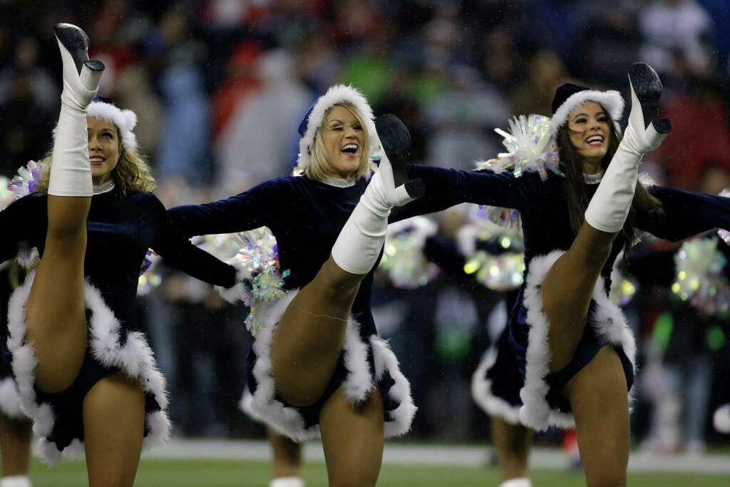 NFL cheerleaders at Christmas - seattlepi.com