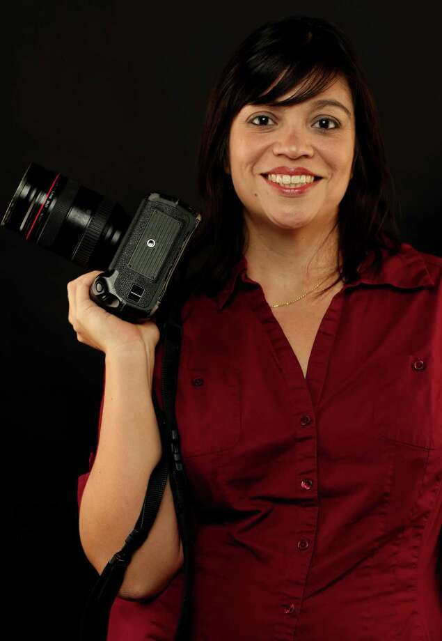 Staff photographer Helen L. Montoya. Photo: William Luther, San Antonio Express-News / ©SAN ANTONIO EXPRESS-NEWS