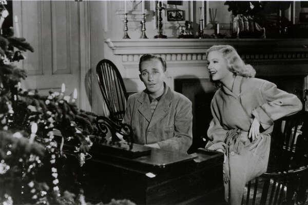 1of 5bing crosby first sang white christmas to marjorie reynolds in the 1942 film holiday inn - Who Sang White Christmas