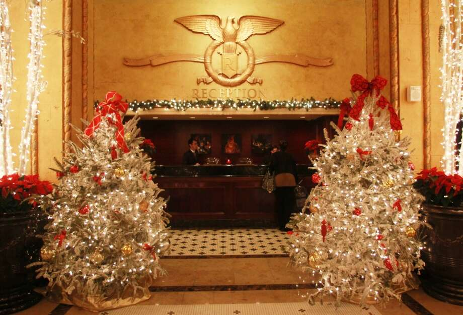 The front desk at the Roosevelt.