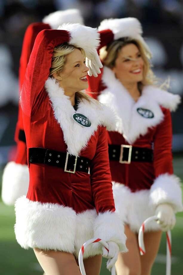 New York Jets cheerleaders perform. Photo: AP