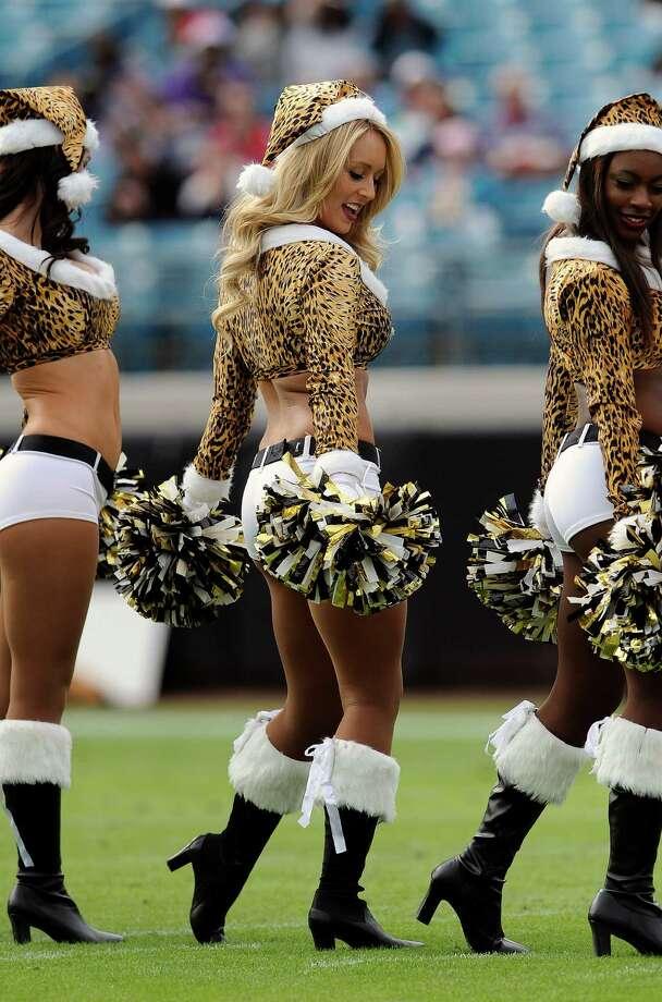Members of the Jacksonville Jaguars cheerleaders perform. Photo: AP