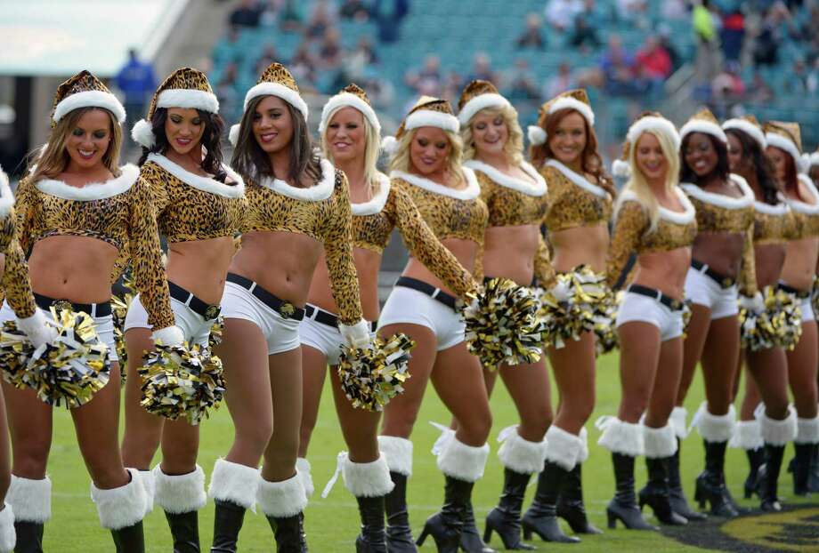Nfl Cheerleaders At Christmas Seattlepi Com