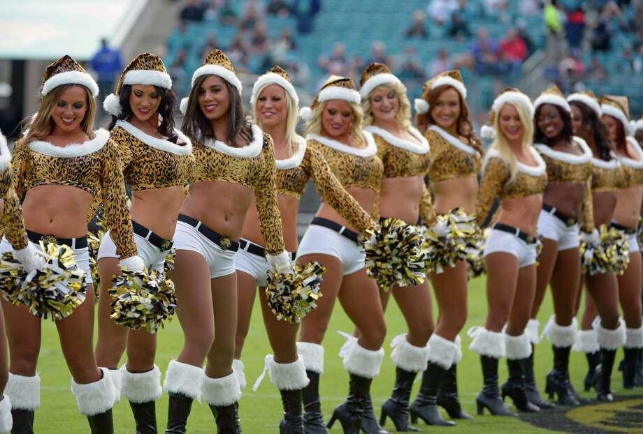Jacksonville Jaguars cheerleaders perform. Photo: AP