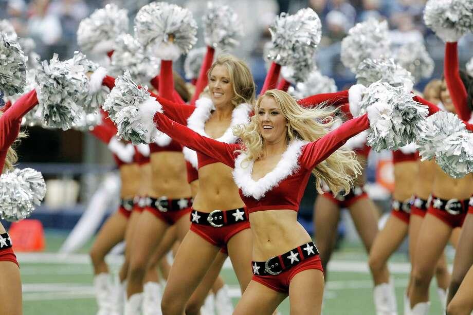 Dallas Cowboys cheerleaders perform. Photo: AP