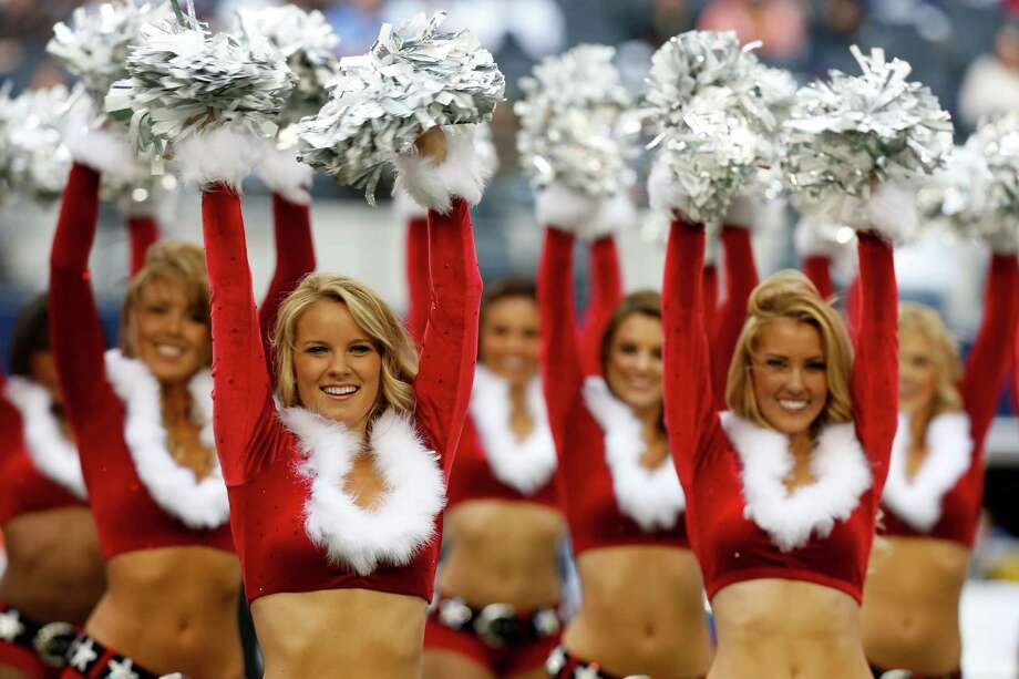 Dallas Cowboys cheerleaders perform. Photo: AP