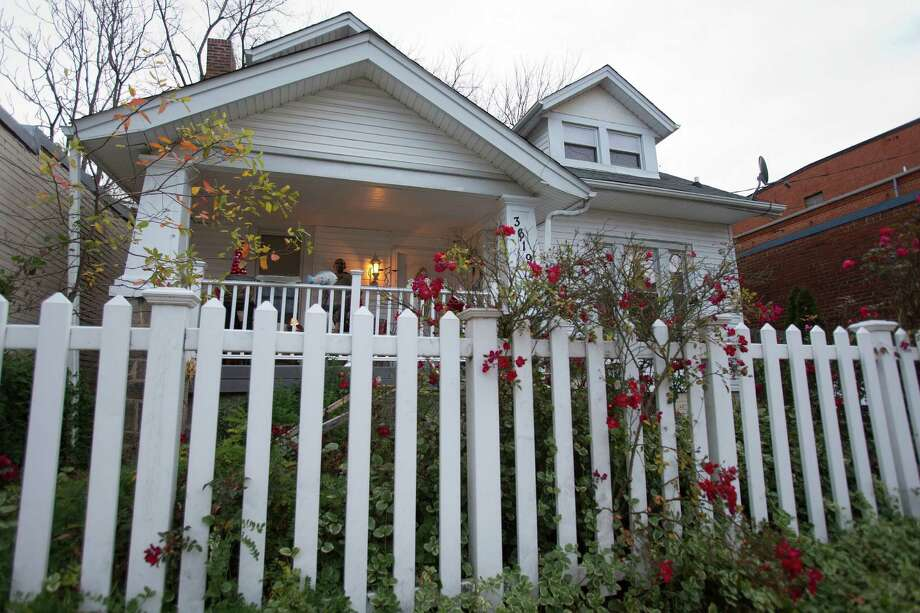 In this Thursday, Dec. 20, 2012, photo, the B&B, Aunt Bee's Little White House is seen in Washington. The six-room bed and breakfast in northeast Washington still had two rooms available for the presidential inauguration as of the week before Christmas, with rates starting at $225 a night. (AP Photo/Jacquelyn Martin) Photo: Jacquelyn Martin