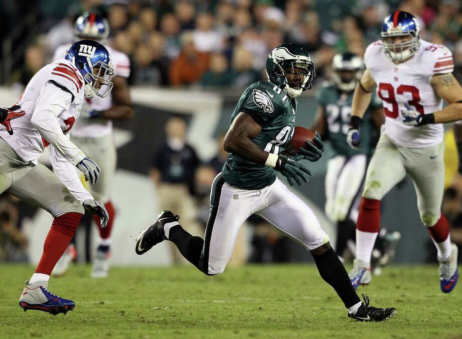 PHILADELPHIA, PA - SEPTEMBER 30:  Wide receiver Jason Avant #81 of the Philadelphia Eagles runs after making a catch against the New York Giants at Lincoln Financial Field on September 30, 2012 in Philadelphia, Pennsylvania.  (Photo by Alex Trautwig/Getty Images) Photo: Alex Trautwig / 2012 Getty Images