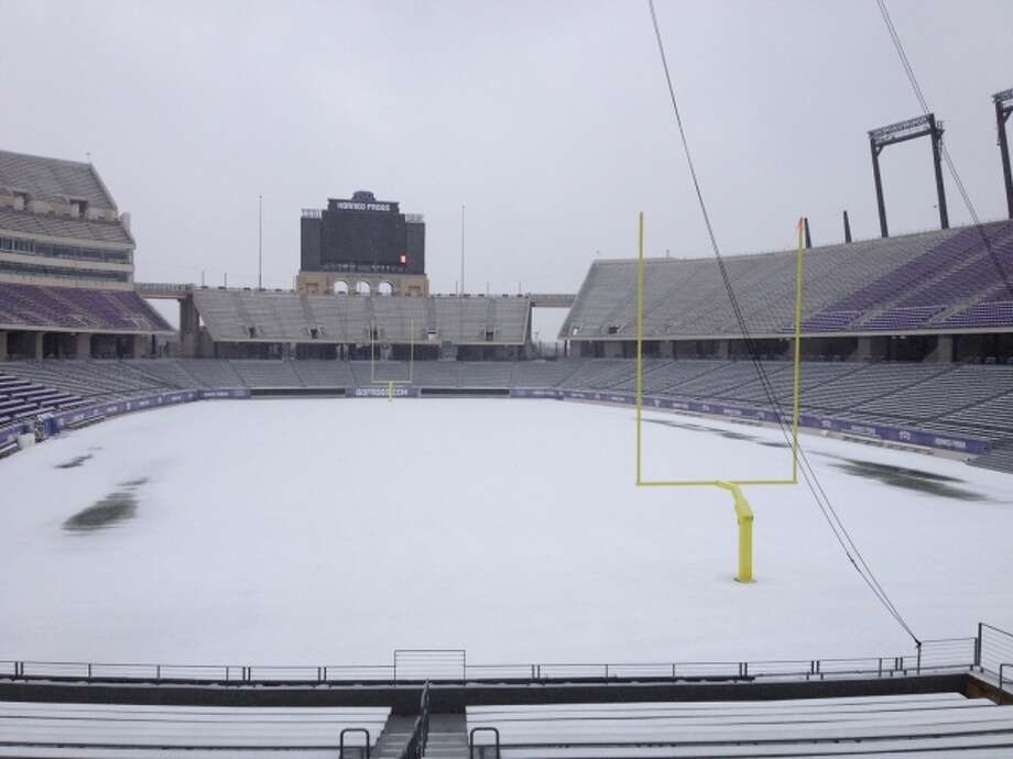 A snowstorm that blanketed Amon Carter Stadium greeted the Rice Owls upon their arrival in Fort Worth on Tuesday. The forecast for Saturday's game calls for temperatures in the high 40s to low 50s. Photo: Handout