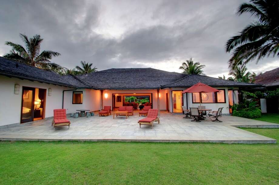 The Obama vacation home on Kailua Beach on the island of Oahu (Courtesy of David Dunham)