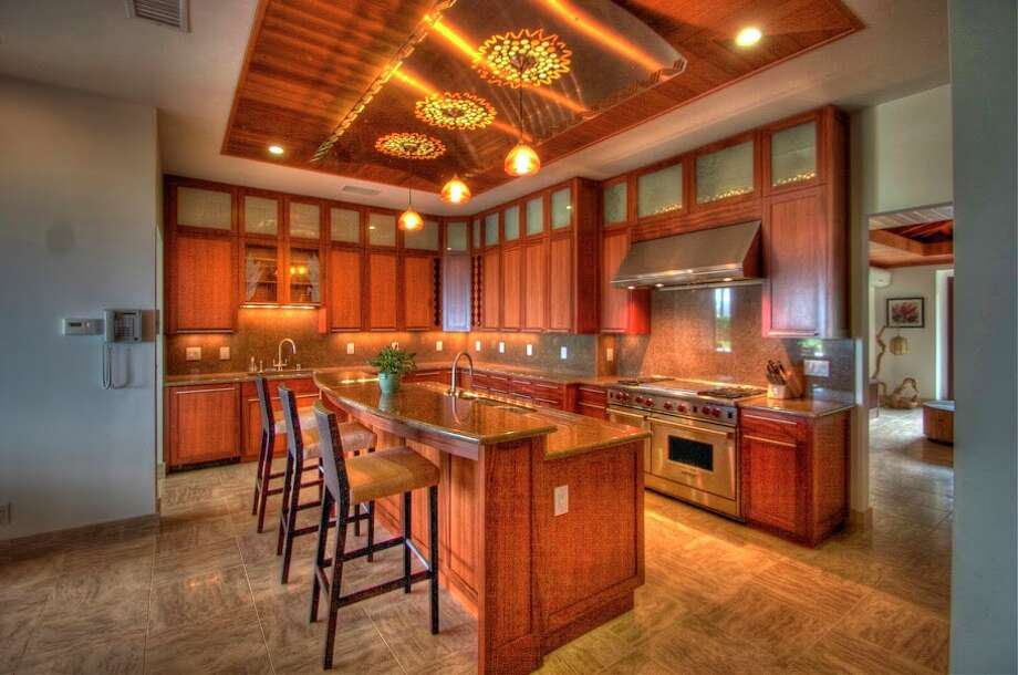 Kitchen (Courtesy of David Dunham)