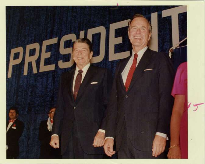 09/22/1988 - Pres. Ronald Reagan and Vice Pres. George Bush at the Brown Convention Center at Republ