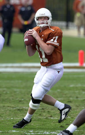 This is University of Texas quarterback Major Applewhite during the Longhorns' game against University of Louisiana-Lafayette. Photo: WILLIAM LUTHER, Express-News / SAN ANTONIO EXPRESS-NEWS