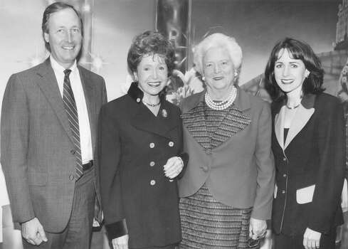 John Kerr, author Mary Higgins Clark, former First Lady Barbara Bush and author Carol Higgins Clark attend a reception for the San Antonio Committee for the Barbara Bush Foundation for Family Literacy at the Central Library on Nov. 20, 1996. Photo: San Antonio Express-News File Photo