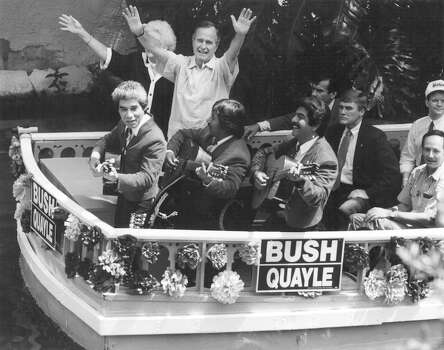 Vice President and presidential candidate George H.W. Bush arrives via barge at the Arneson River Theater for a rally on Aug. 25, 1988. Photo: San Antonio Express-News File Photo