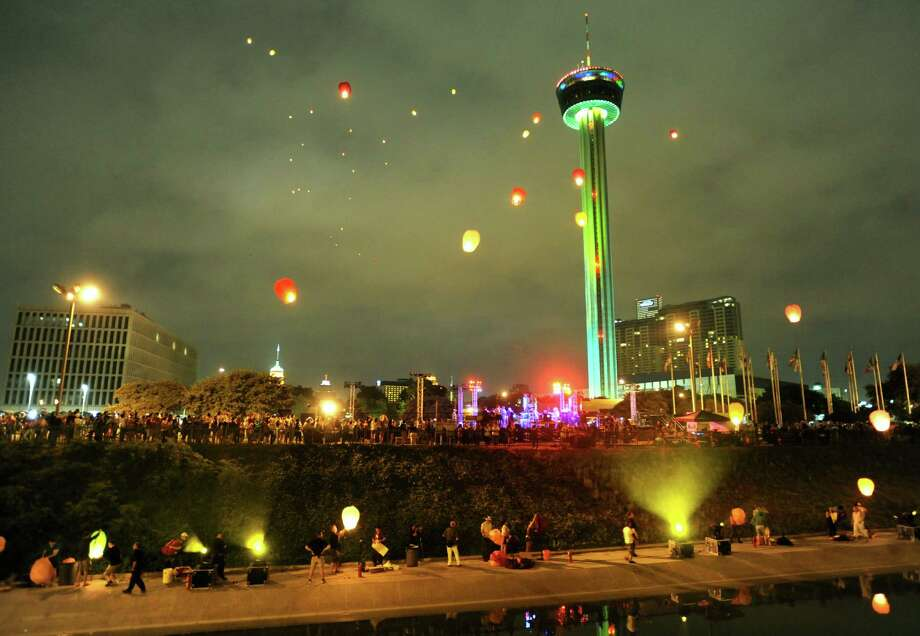 Chinese lanterns light up the sky during the closing ceremonies for Luminaria 2012 in Hemisfair Park on Saturday, May 5, 2012. Photo: Billy Calzada, San Antonio Express-News / SAN ANTONIO EXPRESS-NEWS