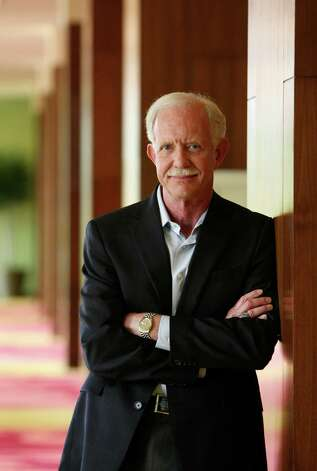 "Captain Chesley ""Sully"" Sullenberger, the ""Hero of the Hudson"" who landed his crashing plane safely near Manhattan in 2009 was in San Antonio for a private conference.  He recently released his second book ""Making a Difference."" Photo: Helen L. Montoya, San Antonio Express-News / ©SAN ANTONIO EXPRESS-NEWS"