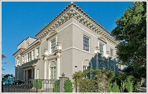 130 Seacliff sold for $13 million this year, a 5 bed, 7.5 bath ocean view luxury home of over 6,000 square feet. Photo via CurbedSF.