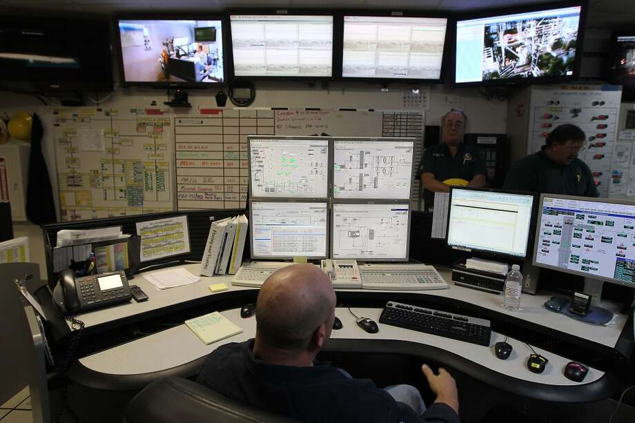 The control room on the Shell Ursa TLP (tension leg platform) located in the Mississippi Canyon block 809 in Gulf of Mexico Wednesday, Oct. 17, 2012, in New Orleans. ( James Nielsen / Chronicle ) (Chronicle)