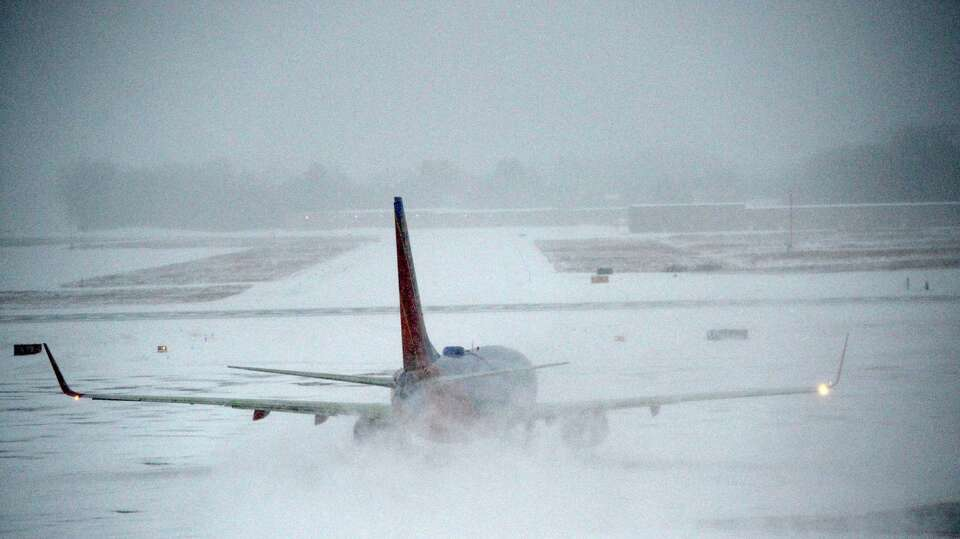 Southwest flight to Chicago Midway finally gets off the ramp and on its way 1 1/2 hours late this mo