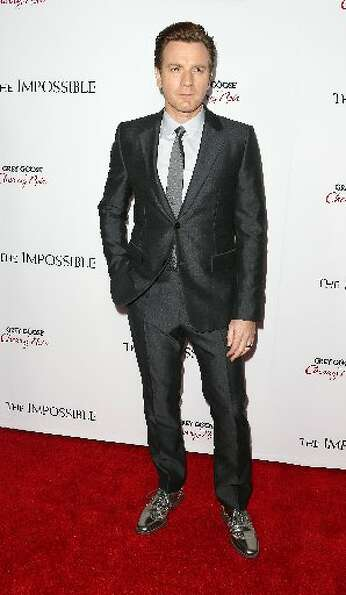 Actor Ewan McGregor attends the premiere of Summit Entertainment's The Impossible at the ArcLight Ci