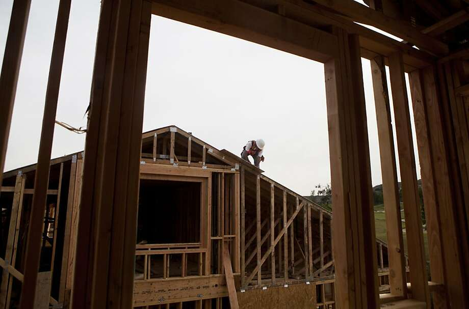 New homes are rising in Rancho Santa Fe (San Diego County). The sales increase signals that real estate is helping lift the nation's economy. Photo: Sam Hodgson, Bloomberg