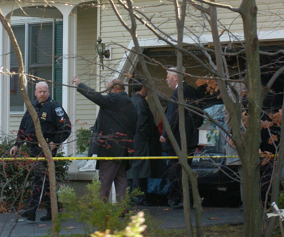 Bethlehem Police, New York State Police Forensics units as well as the Albany County DA's Office work on the investigation of a homicide in the Porco residence at 40 Brockley Drive in Delmar, N.Y.  (Skip Dickstein/Times Union archive) Photo: SKIP DICKSTEIN / ALBANY TIMES UNION