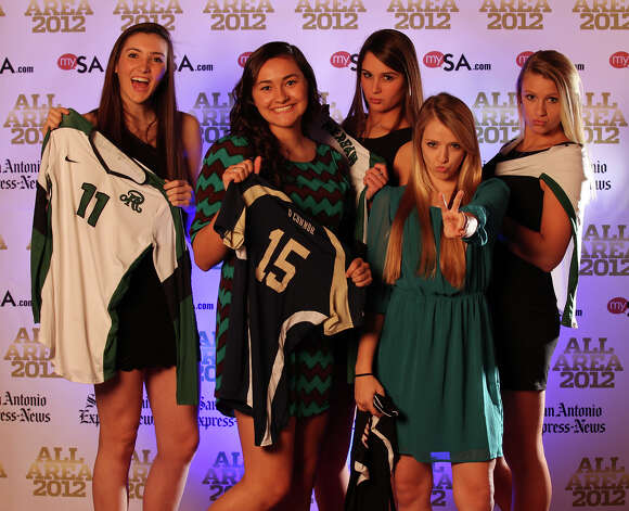 Portrait of Reagan's Ashlie Reasor (from left), O'Connor's Brianna Sotello, Reagan's Morgan Reed, Churchill's Amy Nettles and Reagan's Brooke Sassin Thursday Dec. 13, 2012. Photo: Edward A. Ornelas, Express-News / © 2012 San Antonio Express-News