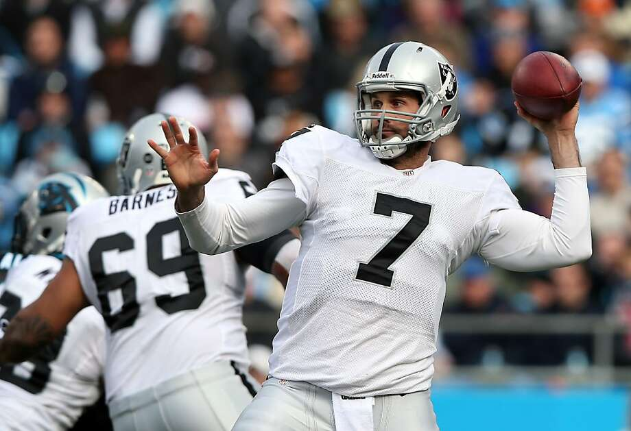 Pressed into action against Carolina, Matt Leinart (7) wasn't able to lead the Raiders to a touchdown. Photo: Streeter Lecka, Getty Images