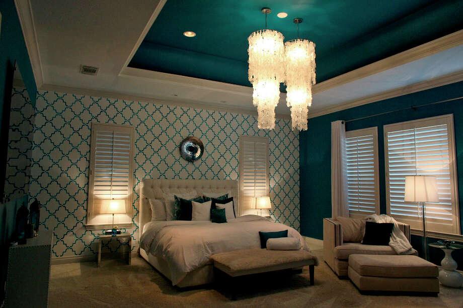 The master bedroom in the home of Reema and Naveen Kella. Photo: Lisa Krantz, San Antonio Express-News / © 2012 San Antonio Express-News