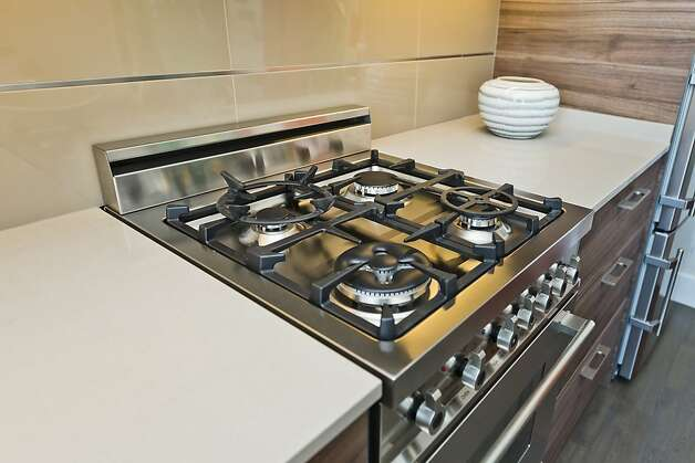 Caeserstone countertops decorate the kitchen. Photo: Vanguard Properties/SF