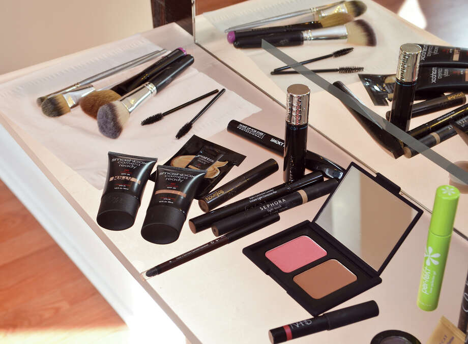 Everyone has different makeup needs, so whether your skin needs extra attention, brows must be filled in or lashes have to be curled, focus your time on your essentials and leave the easy touch-ups for your commute. In general, tinted moisturizer, concealer, mascara, and a lip/cheek stain are the way to go. Photo: Colleen Ingerto / Healthy Life