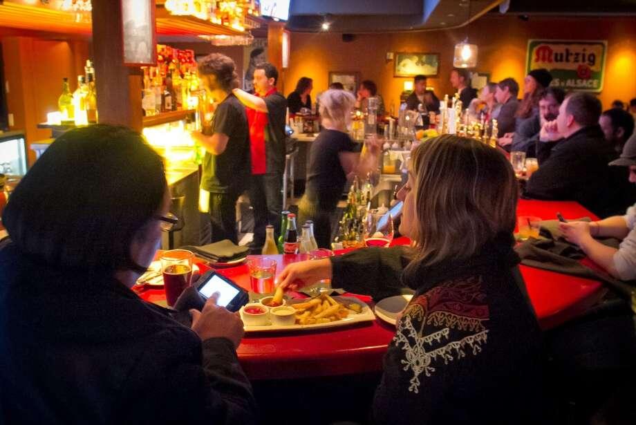 Honor Bar, Emeryville