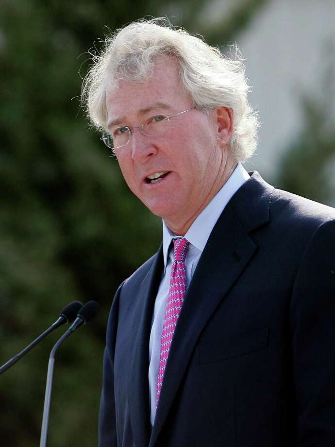 "A Chesapeake committee of directors carried out 50 interviews and reviewed ""millions of pages of documents"" in its study of Aubrey McClendon's actions. Photo: Anonymous, STF / AP2009"