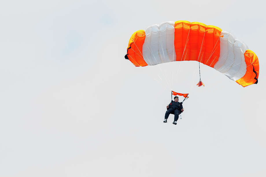 John Tippy, former U.S. Army Golden Knight parachutist, Vietnam veteran and longtime member of the Special Forces Association, skydives for the 6,000th time at Skydive San Marcos on Saturday, Dec. 29, 2012. Photo: Michael Miller, For The Express-News / San Antonio Express-News
