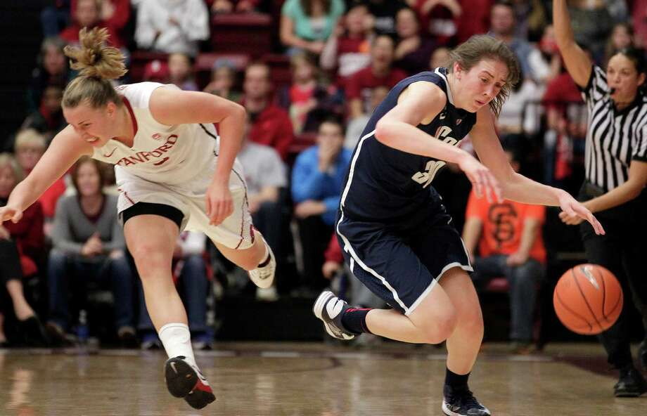 Connecticut forward Breanna Stewart. right, steals the ball from Stanford forward Mikaela Ruef (3) during the first half of an NCAA college basketball game in Stanford, Calif., Saturday, Dec. 29, 2012. (AP Photo/Tony Avelar) Photo: Tony Avelar, Associated Press / FR155217 AP
