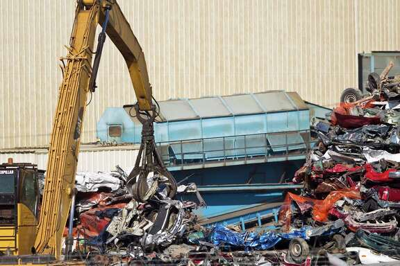Derichebourg Recycling USA in Houston has invested millions of dollars to address problems with smoke, fire and explosions.