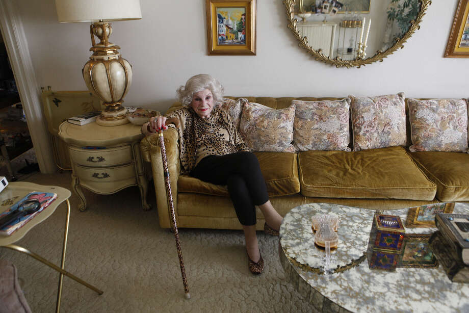 Sally Ann Karmelenski, age 99 smiles in her Clay Street apartment in 2009. - Karmelenski died at 102 this past September. Photo: Mike Kepka, The Chronicle / SFC
