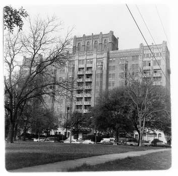 The Aurora Apartments at 509 Howard St. were designed by architect Richard Vander Straten. The 10-story, neo-Gothic structure was built to last, of brick, terra-cotta and reinforced concrete steel. Photo: San Antonio Express-News File Photo / SAN ANTONIO EXPRESS NEWS