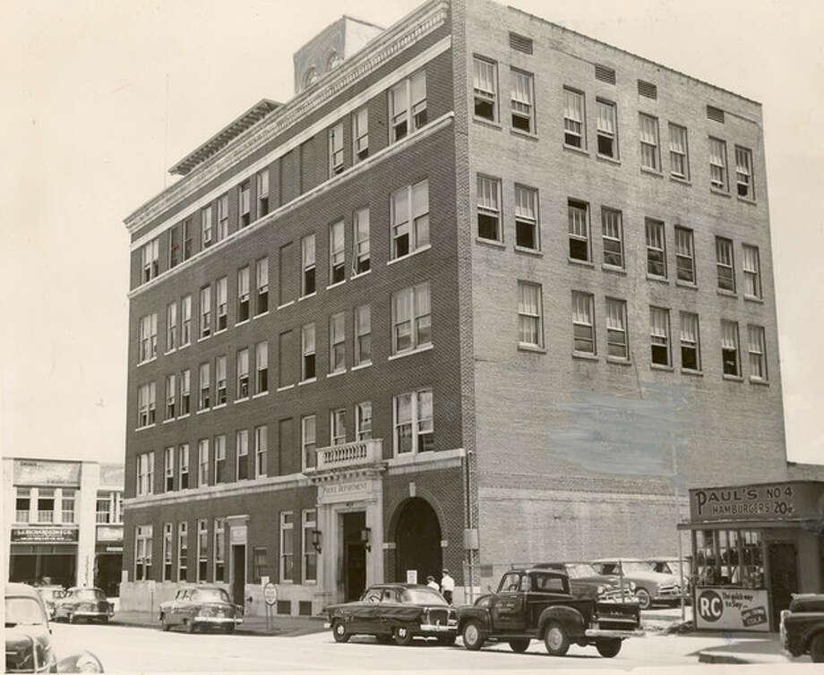 1952 photo of Houston police headquarters, 401 Caroline. Chronicle file Photo: UNKNOWN