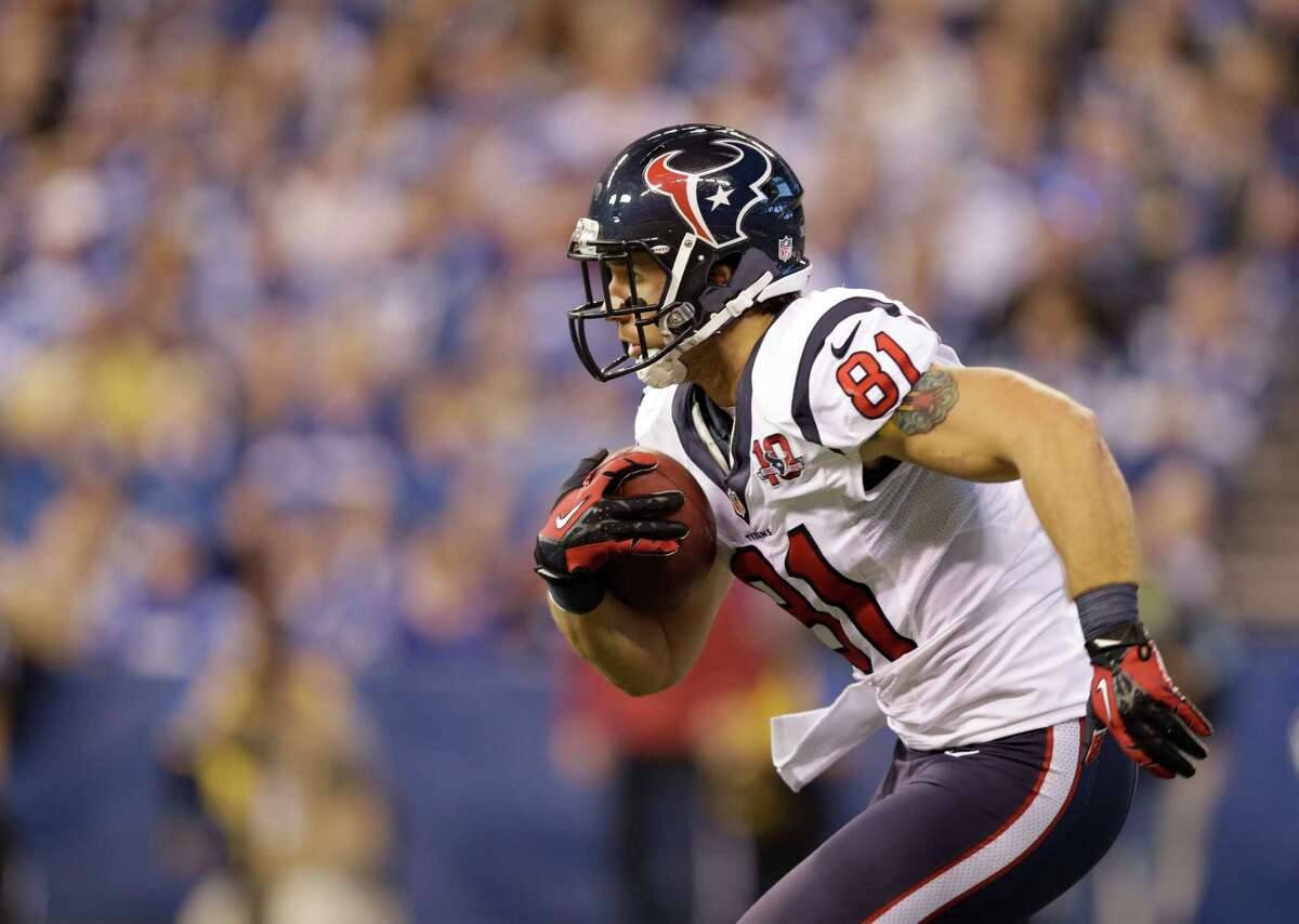 Houston Texans' Owen Daniels (81) runs during the first half of an NFL football game against the Houston Texans Sunday, Dec. 30, 2012, in Indianapolis. (AP Photo/Michael Conroy)