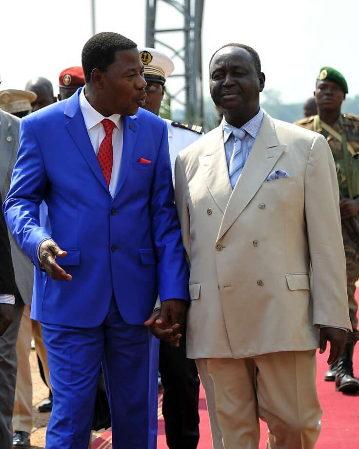 African Union leader Thomas Boni Yayi (left) meets with Central African Republic President Francois Bozize, seeking ways to quell a rebellion. Photo: Sia Kambou, AFP/Getty Images
